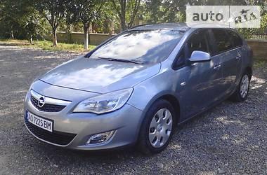 Opel Astra J SPORTS TOURER 2011