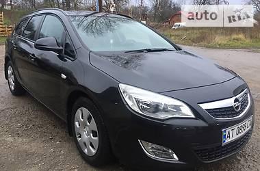 Opel Astra J sport tourer 2011