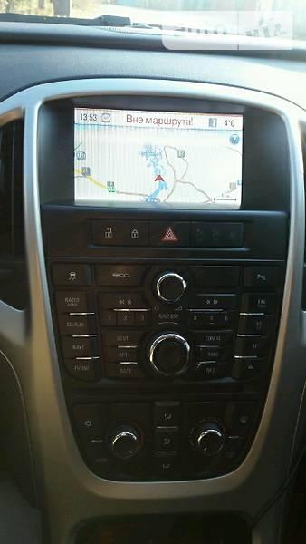 Opel Astra 2012 года