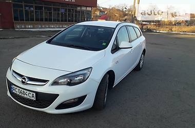 Opel Astra J sports tourer 2014