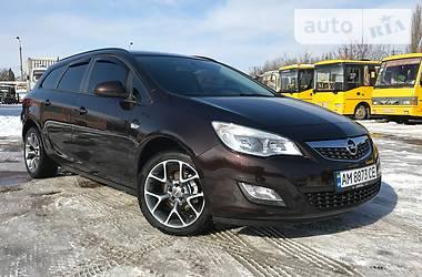 Opel Astra J NAVI 2013