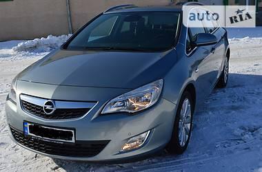 Opel Astra J ЗНІМАЄТЬСЯ З ОБЛІКУ 2011
