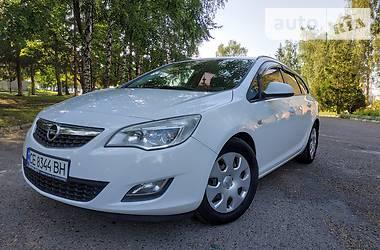 Opel Astra J Xenon  2011