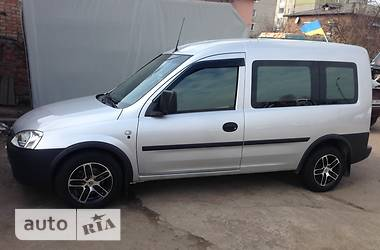 Opel Combo пасс. comfort  2009