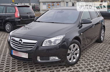 Opel Insignia SPORTS TOURER 2012
