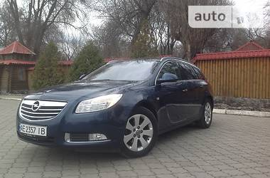 Opel Insignia Sports Tourer Cosmo 2011