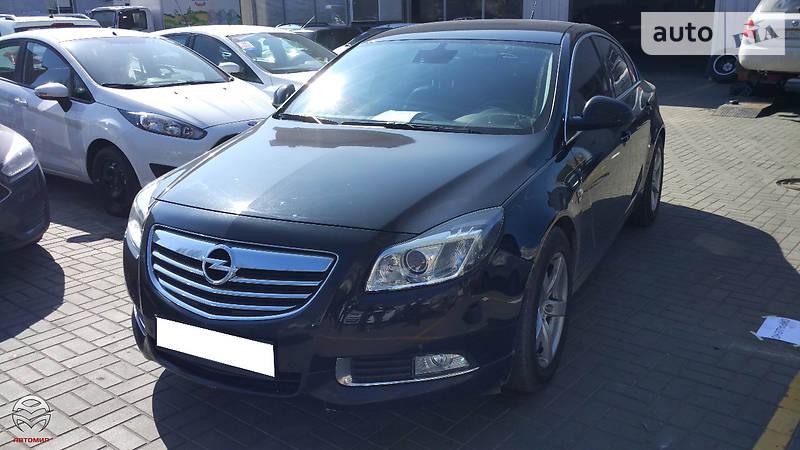 Opel Insignia 2010 года