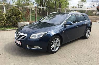 Opel Insignia 2.0T SPORTS TOURIER 2012