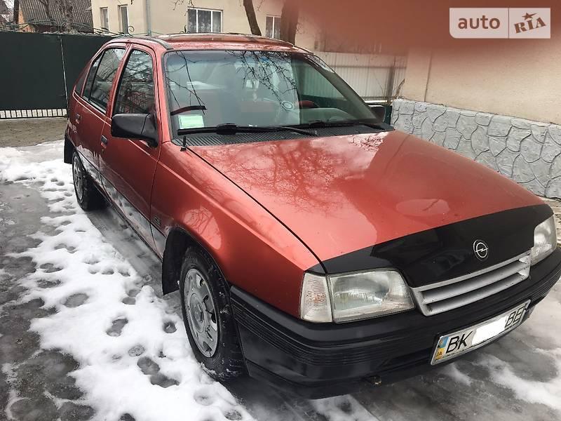Opel Kadett 1989 года