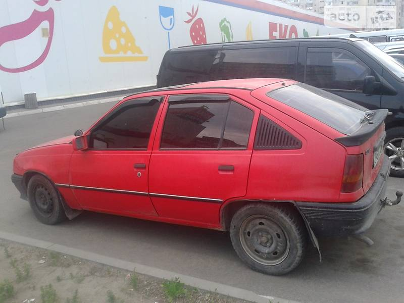 Opel Kadett 1987 року