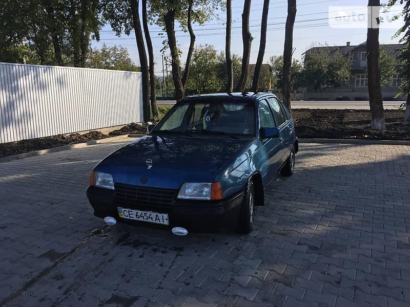 Хэтчбек Opel Kadett