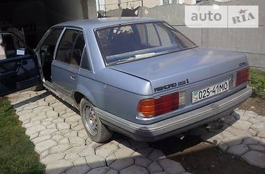 Opel Rekord 2.2i 1986