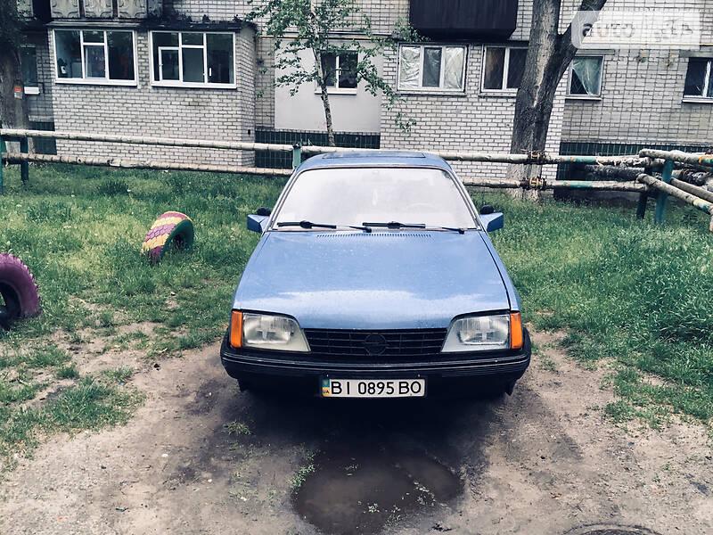 Хэтчбек Opel Rekord
