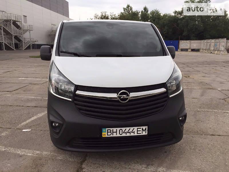 Opel Vivaro 2015 года