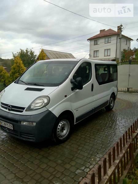 Opel Vivaro 2003 року