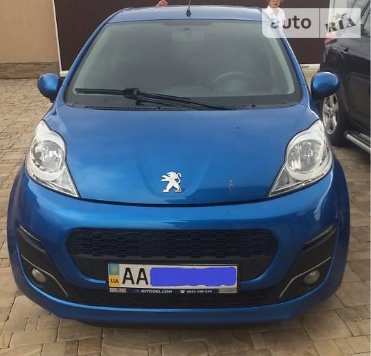 Peugeot 107 2012 года