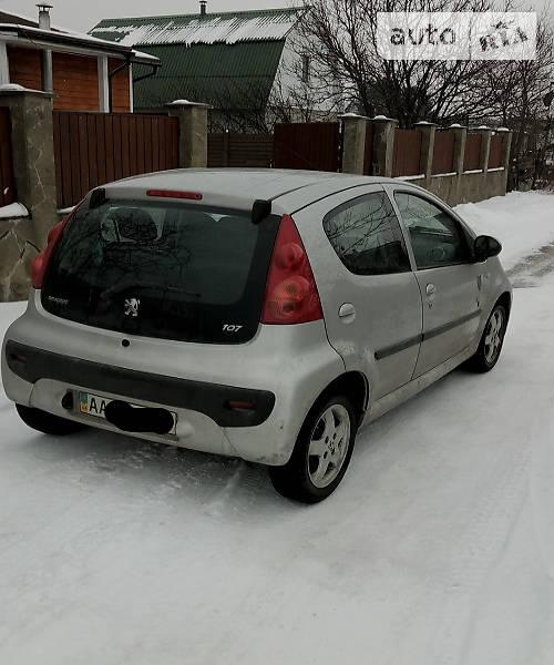 Peugeot 107 2011 року