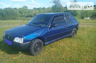 Peugeot 205  1987