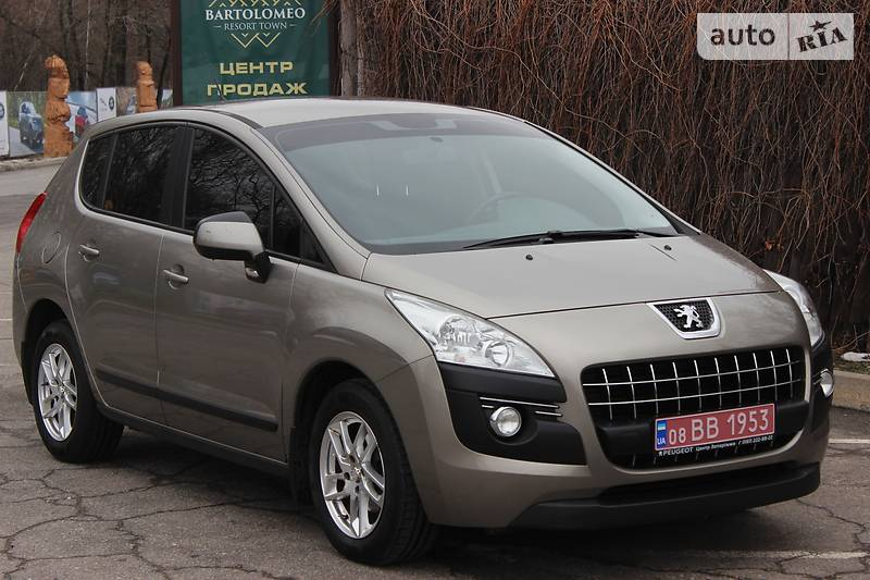 Peugeot 3008 2011 года