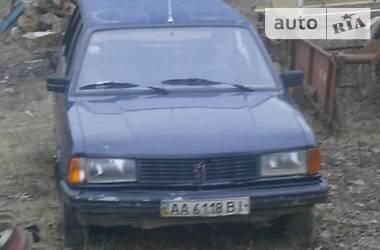 Peugeot 305  1987
