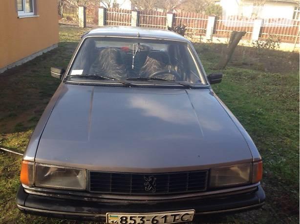Peugeot 305 1985 года