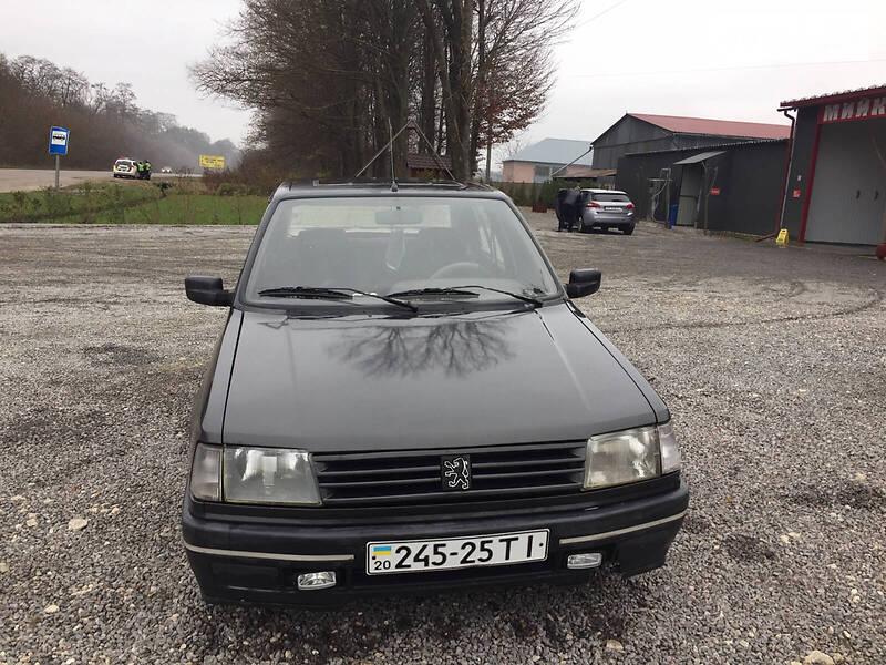Седан Peugeot 309