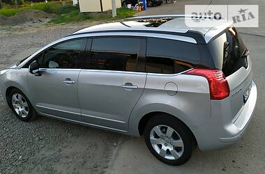 Peugeot 5008 Panorama 7mist 2011