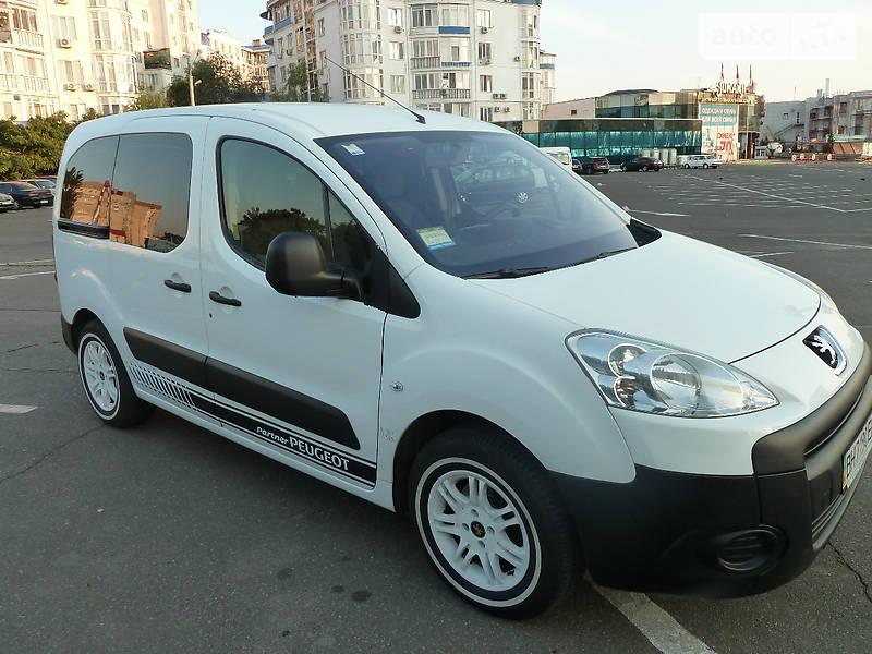 Универсал Peugeot Partner пасс.