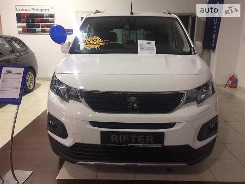 Минивэн Peugeot Rifter