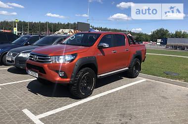Характеристики Toyota Hilux Пікап