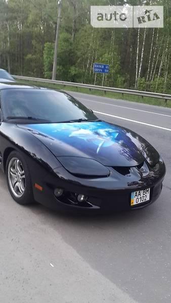 Pontiac Firebird 2000 року