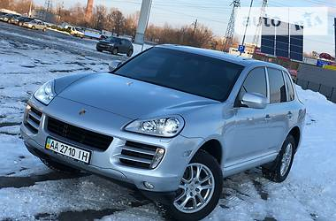 Porsche Cayenne OFFICIAL IDEAL 2009