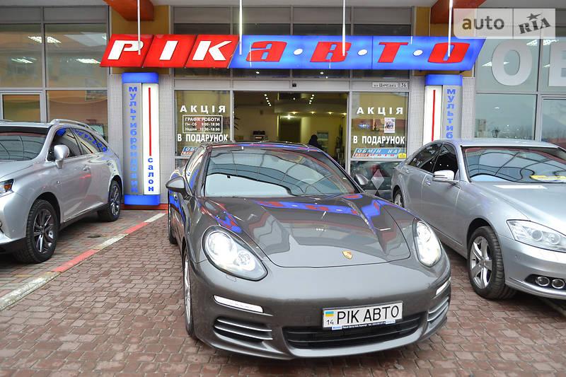 Porsche Panamera 2013 року
