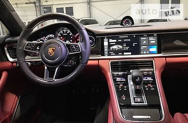 Porsche Panamera TURBO CARBON 2017