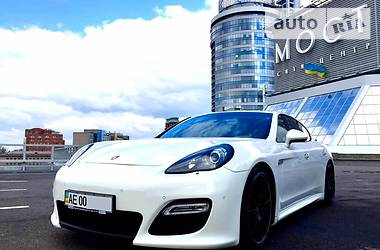 Porsche Panamera Turbo 4.8 Sport Pack 2012