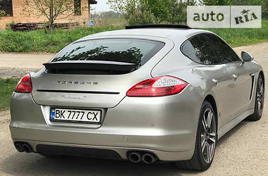 Porsche Panamera S 4.8 2010