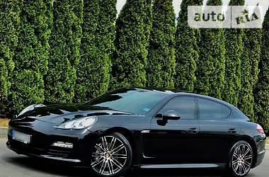 Porsche Panamera 4S 2011