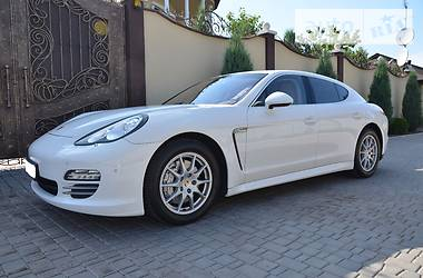 Porsche Panamera 4S 4.8 2010