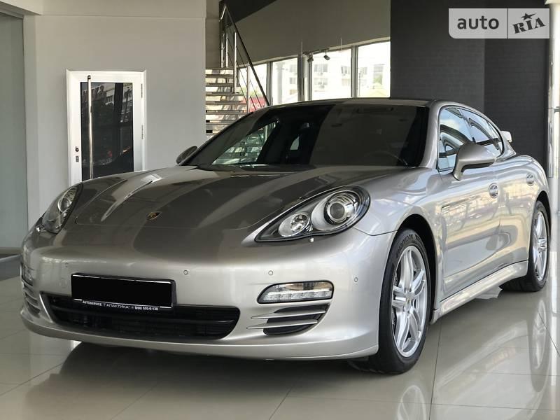 Хэтчбек Porsche Panamera