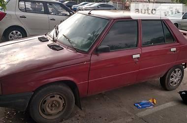 Renault 9  1983