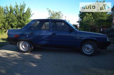 Renault 9  1995