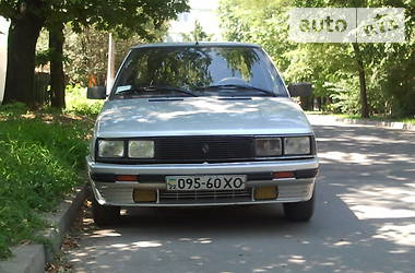 Renault 9 TLE 1987