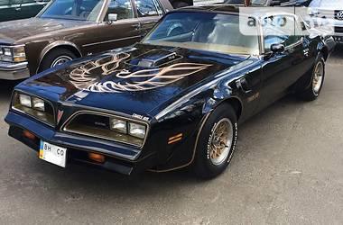 Ретро автомобили Классические Pontiac Trans Am 1976