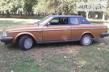 Ретро автомобили Классические Volvo 262 1982