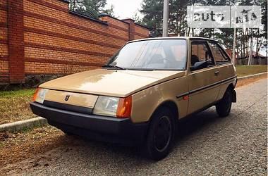 Ретро автомобили Классические ЗАЗ 1102 Таврия 1991