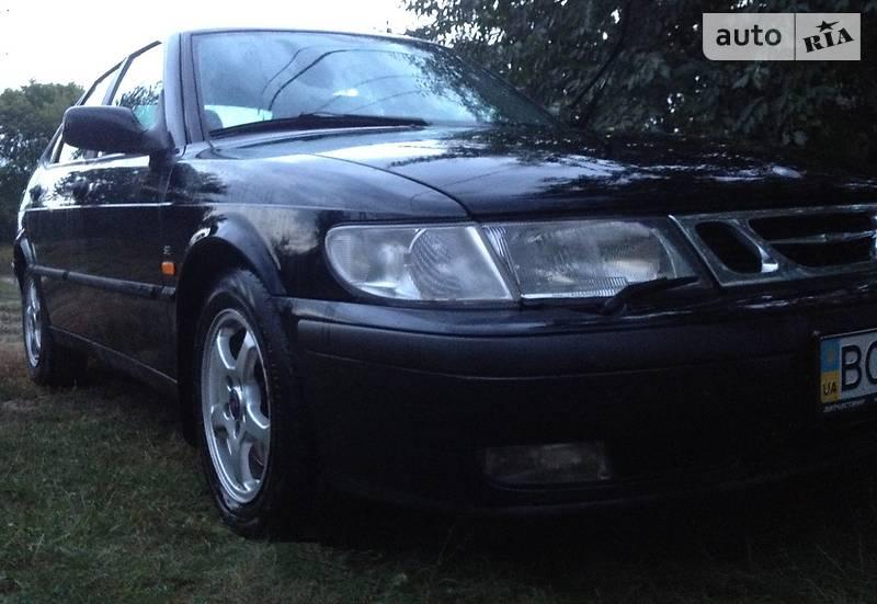 Saab 9-3 2000 года
