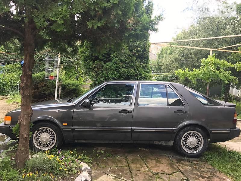 Saab 9000 1986 року