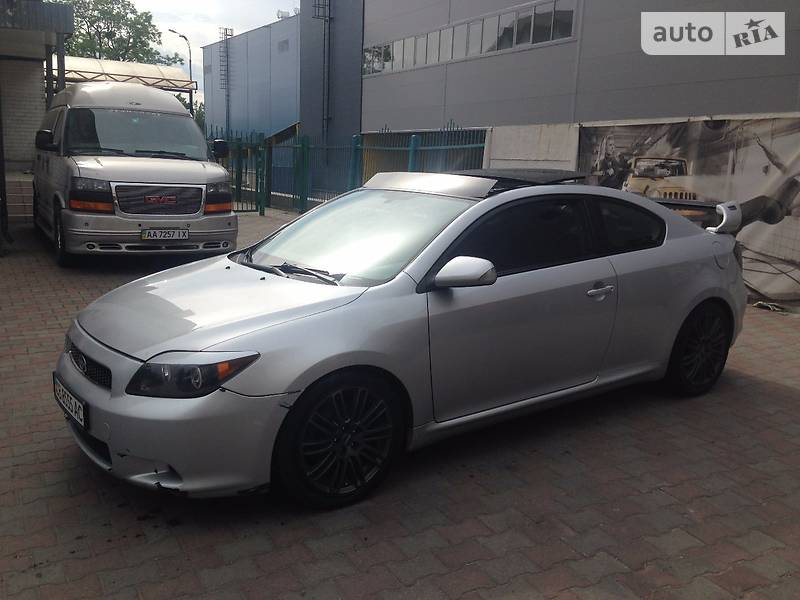 Scion tC 2005 года