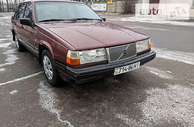 Характеристики Volvo 940 Седан