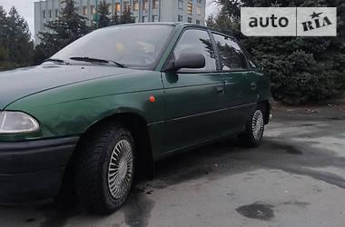 Характеристики Opel Astra F Седан